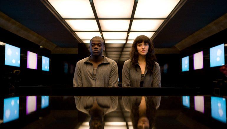Black Mirror Critique Serie Saison 1 Saison 2 Channel 4 Britannique